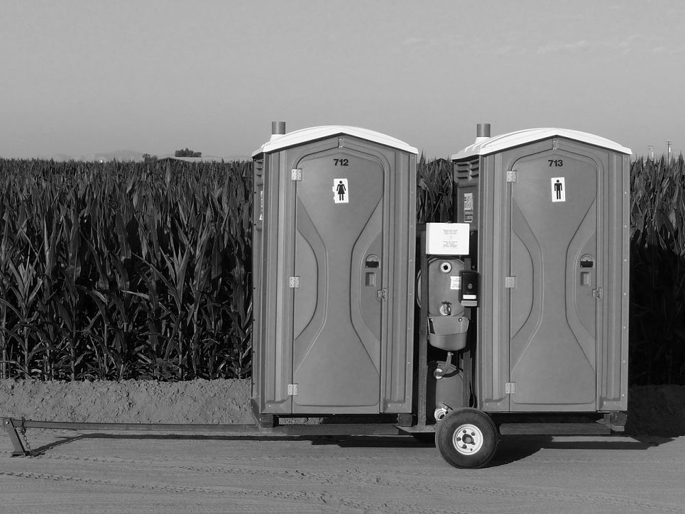 Portable Toilet Rental in West Palm Beach | Call Us Now (561) 440-8646 | Porta Potty To Go!